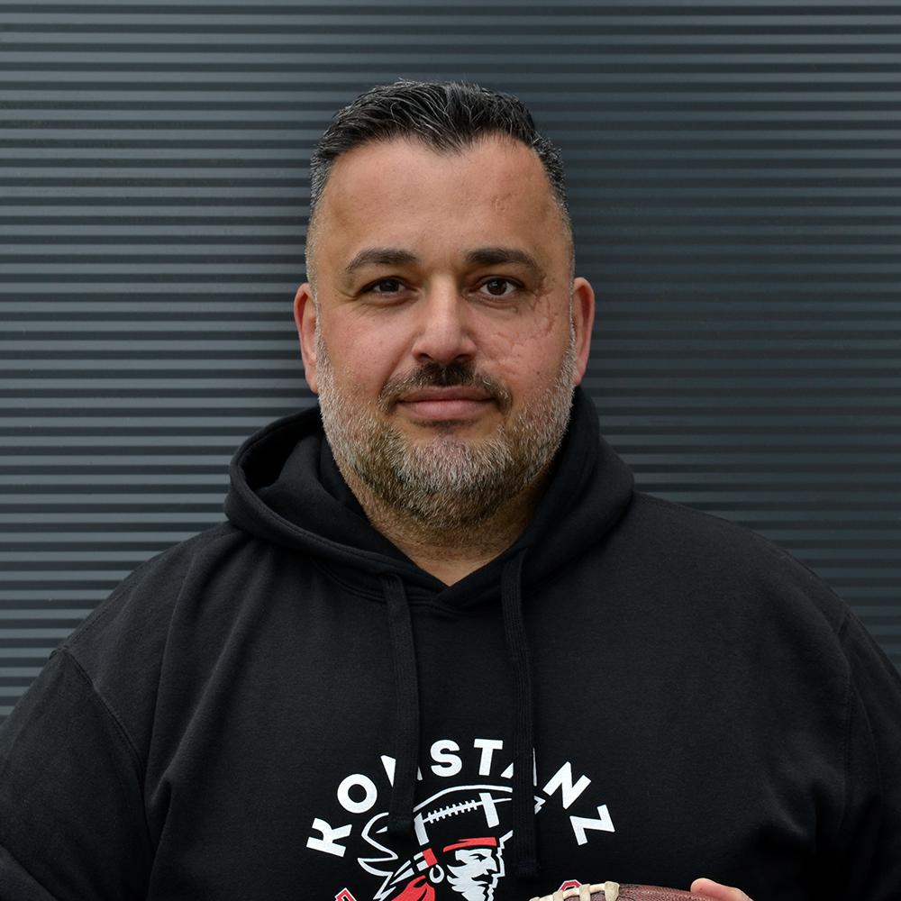 Zeki Öztürk : Head Coach & Runningbacks